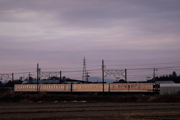 夕暮れの東武日光線