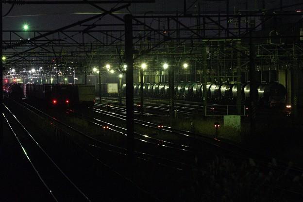 冬宵の貨物駅