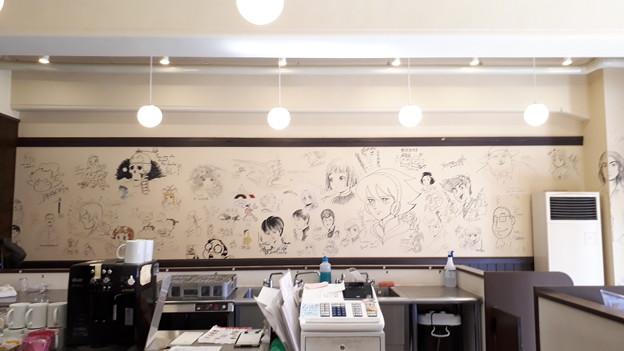 2018.11.11(京都国際マンガミュージアム/壁面イラスト 全体2)