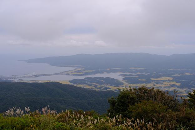 加茂湖を望む