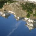 池に映るお城2