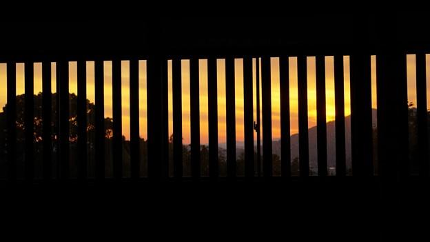 夕景色の窓