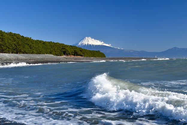 Photos: 波と富士山