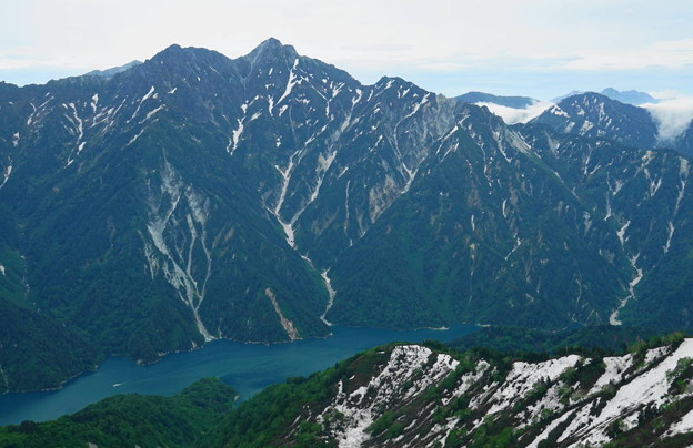 rs-180610_27_後立山と黒部湖・S18200・α60(大観峰) (1)