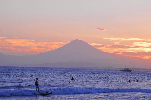 Photos: rs-180821_51_夕景・富士山・S18200・α60(江の島) (6)