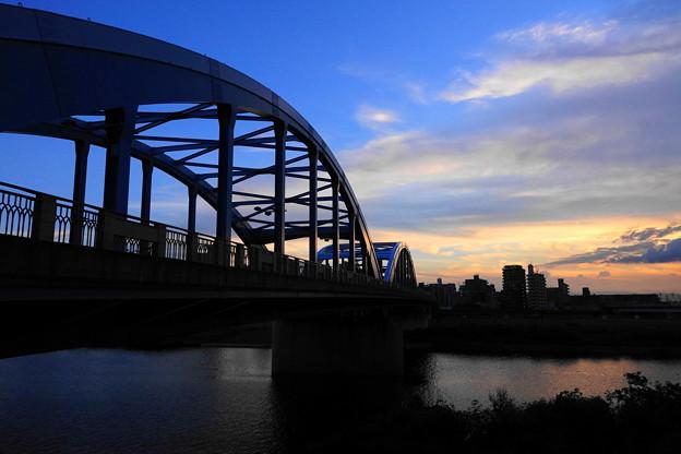 200904_64Y_夕闇の丸子橋・RX10M3(多摩川) (4)