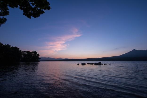 Photos: 湖畔の夕暮れ