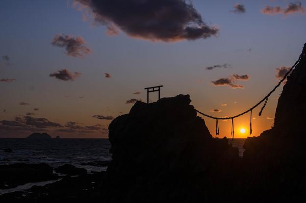 二ツ岩の落日