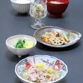 Photos: 今晩は、ぶたはく、精進煮染め、水菜の浅漬け、おから煮、葱と銀耳の味噌汁、ご飯