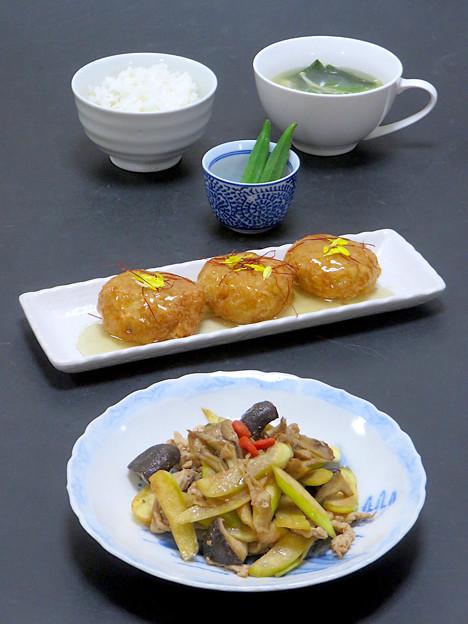 今晩は、真菰(マコモ)と豚肉と茸のオイスター炒め、里芋コロッケ中華風餡掛け、オクラのお浸し、わかめと茸のスープ、発芽玄米ご飯