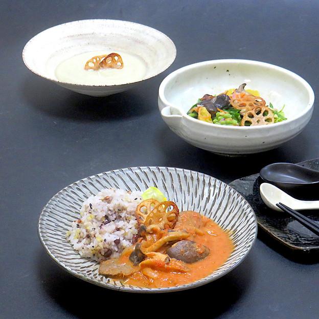 今晩は、ハヤシライス風ビーフストロガノフ、絶品15品目旬菜マリネサラダ、牛蒡のポタージュ