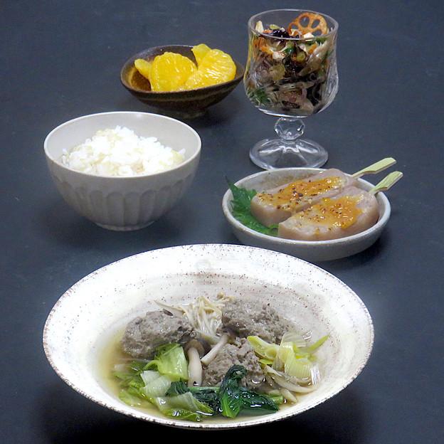今晩は、鰯のつみれ汁、旬菜マリネサラダ、こんにゃく田楽、発芽玄米ご飯、甘夏