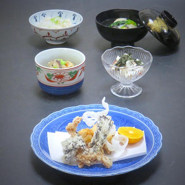 昨晩は、虎魚から揚げ、おから信田煮、長芋梅肉和え、海老真薯、鯛めし