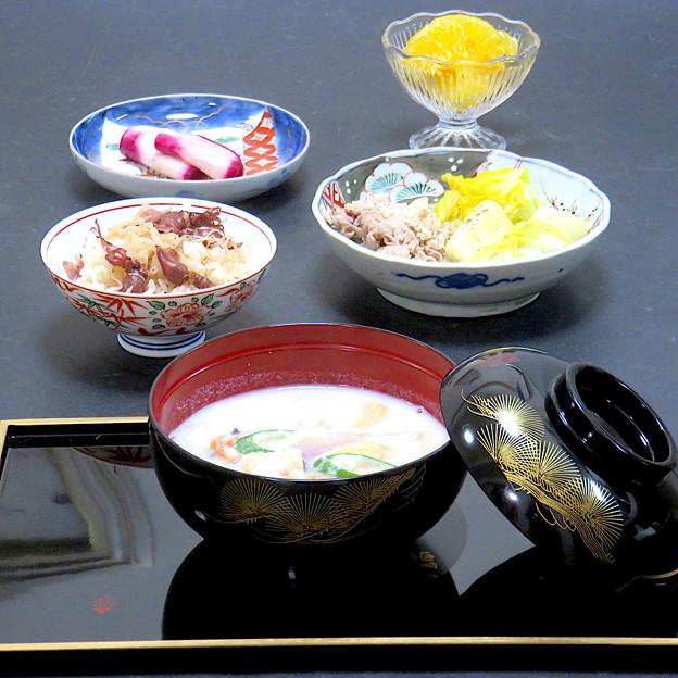 今晩は、呉汁風豆乳汁、ぶたはく、赤かぶ漬け、蛍烏賊ご飯、甘夏