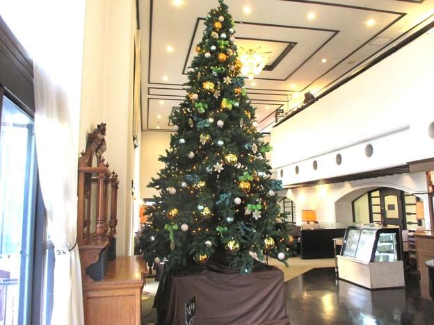 ラウンジのクリスマスツリー
