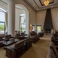 Photos: 山のホテル 開放感のあるラウンジ
