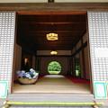 写真: 明月院の本堂