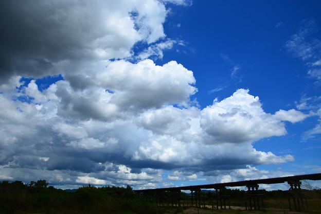 夏雲と流れ橋