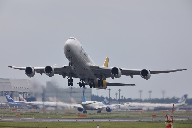 Photos: 747