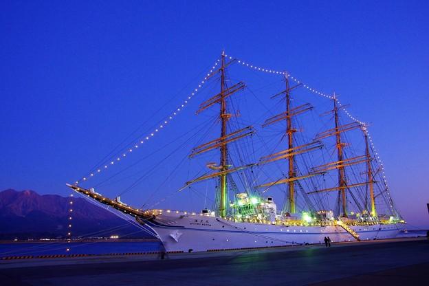 夜の海王丸