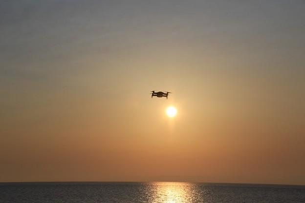 写真: 日本海へMavicAir