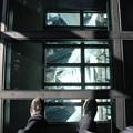 190201-71スカイツリーから日本橋まで・スカイツリー・展望デッキ・ガラス床に載った私の足