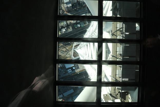 190201-73スカイツリーから日本橋まで・スカイツリー・展望デッキ・ガラス床から見た地上