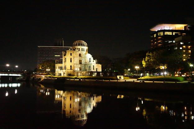 広島原爆ドーム ライトアップ