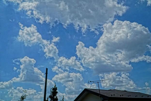 お盆の雲HDR