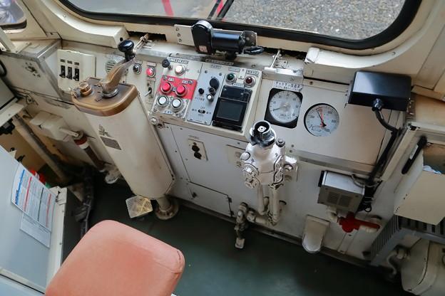 モ504運転席