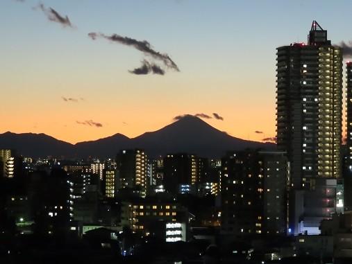 2020.12.31_夕暮れの富士山