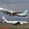 Photos: B767 ADO ベア・ドゥ北海道JETとJAL ダイキンオーキッドJET