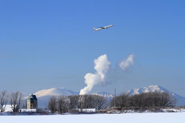 B777 JAL 冬晴れの朝