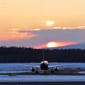 A321 OZ174と夕陽