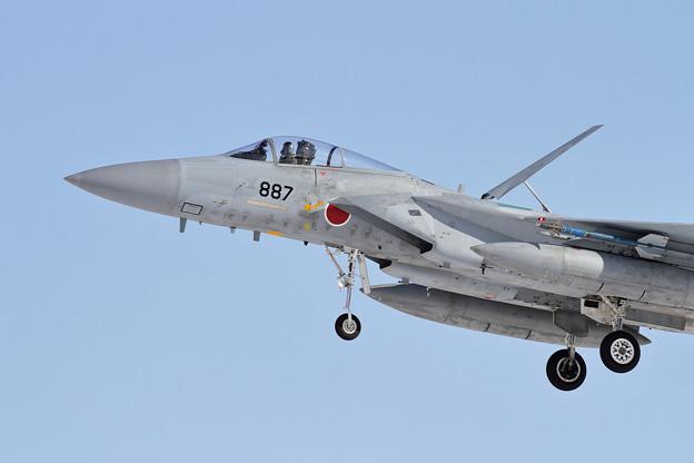 F-15J 887 203sq approach