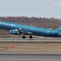 写真: A321 Vietnam Airlines VN-A334 takeoff