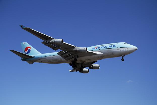 B747 KAL HL7461 approach