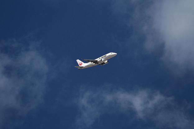ERJ-170 J-AIR JA213J takeoff climb