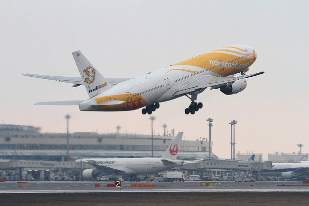 Photos: B777 nokscoot HS-XBB takeoff