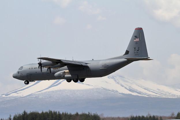 C-130J-30 16-5833 YJ 5AF (2)