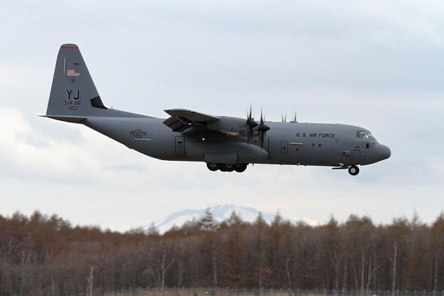 C-130J-30 14-5807 YJ 374AW (1)