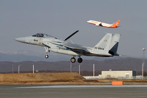 F-15J 201sqとB737 Jeju