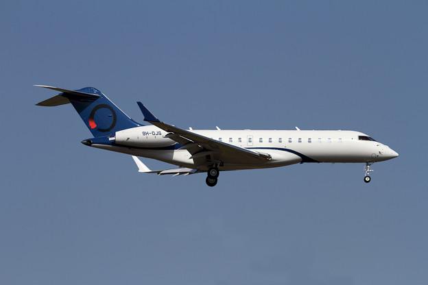 写真: Bombardier Global 6000 9H-OJS approach(2)
