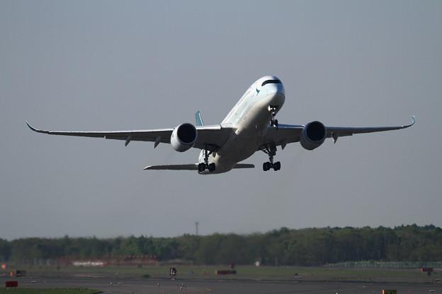 A350-9 CPA B-LRP takeoff(1)