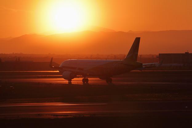 写真: A320 Sunset