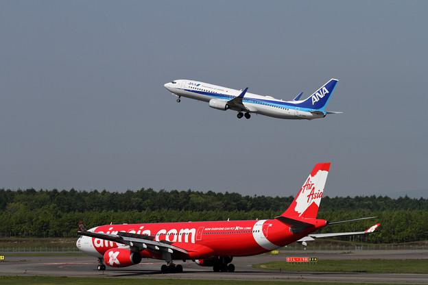 赤と青の機体