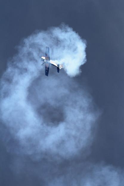Photos: Extra EA-300S JA11DB acro (2)
