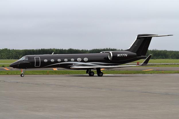 Gulfstream G550 N1777U Fantasia(2)