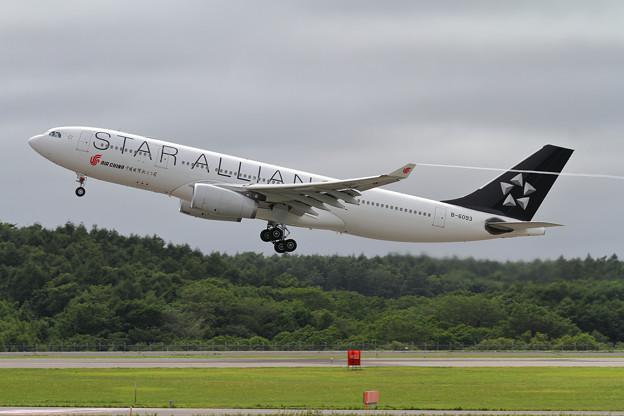 A330-200 CCA StarAlliance B-6093 takeoff