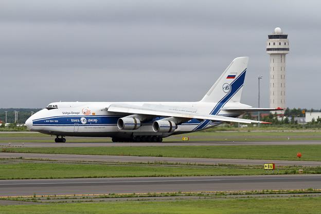 An-124-100 RA-82047 (1)